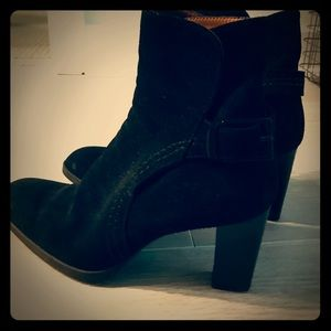 Tods's black buckle booties